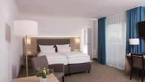 Premium bedding, in-room safe, desk, blackout drapes