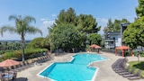 Oakwood at Toluca Hills - Los Angeles Hotels