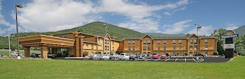 Asheville Vacations - Days Inn Asheville/Tunnel Road & I-40 - Property Image 1