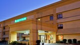 La Quinta Inn & Suites Columbus State University - Columbus Hotels