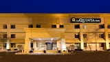 La Quinta Inn Chicago Willowbrook - Willowbrook Hotels