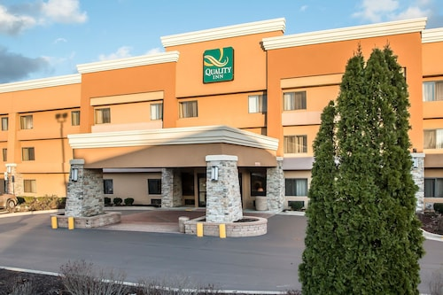 Great Place to stay Quality Inn near Hoffman Estates