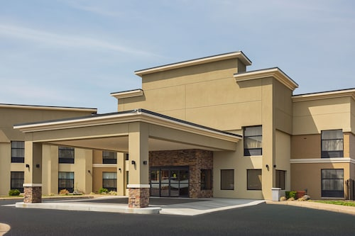 Great Place to stay Clarion Inn & Suites near Evansville