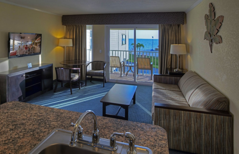 Sailport Waterfront Suites In Tampa Hotel Rates Reviews On Orbitz