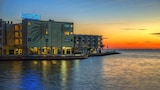 Sailport Waterfront Suites - Tampa Hotels