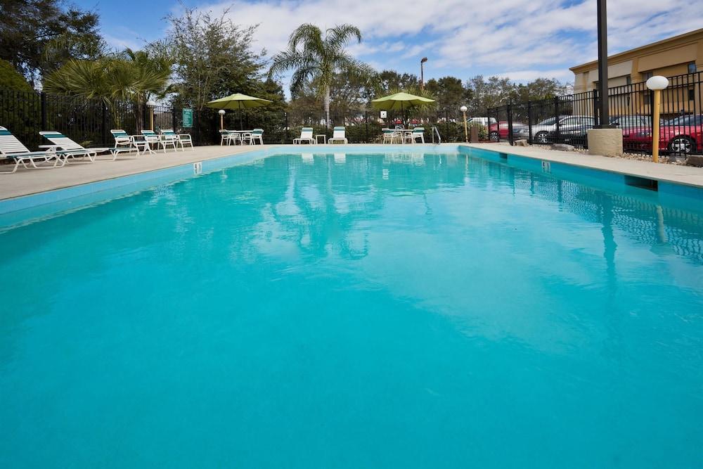 Book La Quinta Inn Amp Suites Tampa Fairgrounds Casino