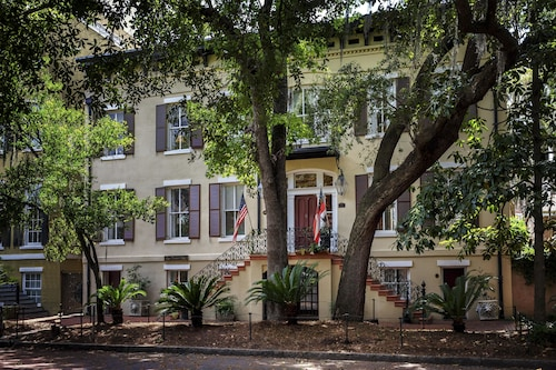 Top 10 Accommodation Near Savannah College Of Art And Design From Au