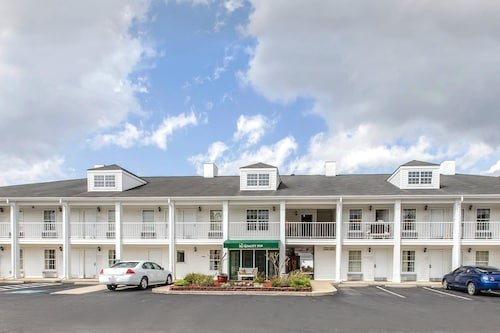 Check Expedia for Availability of Quality Inn Jesup