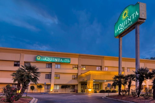 La Quinta Inn & Suites by Wyndham Savannah Southside