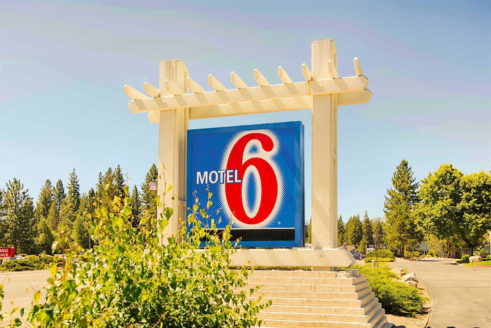 Front of Property, Motel 6 South Lake Tahoe, CA