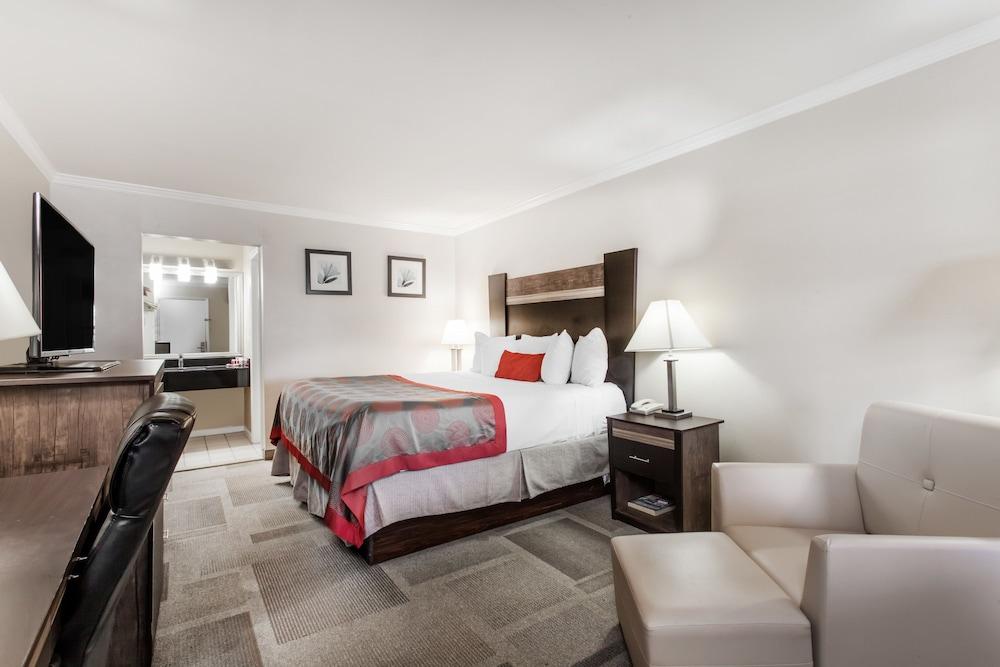 days inn by wyndham wilmington newark in wilmington. Black Bedroom Furniture Sets. Home Design Ideas