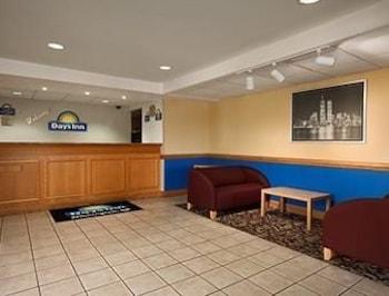 days inn wilmington newark in wilmington hotel rates. Black Bedroom Furniture Sets. Home Design Ideas
