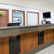 Days Inn And Suites Des Moines Airport