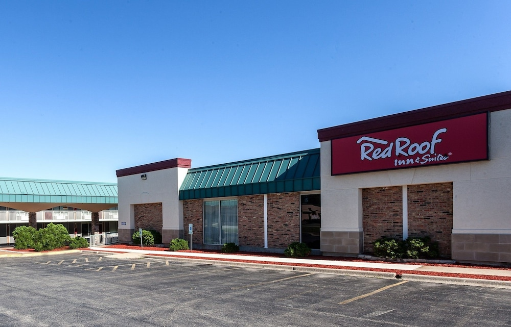 Red Roof Inn Amp Suites Dekalb In Dekalb Hotel Rates