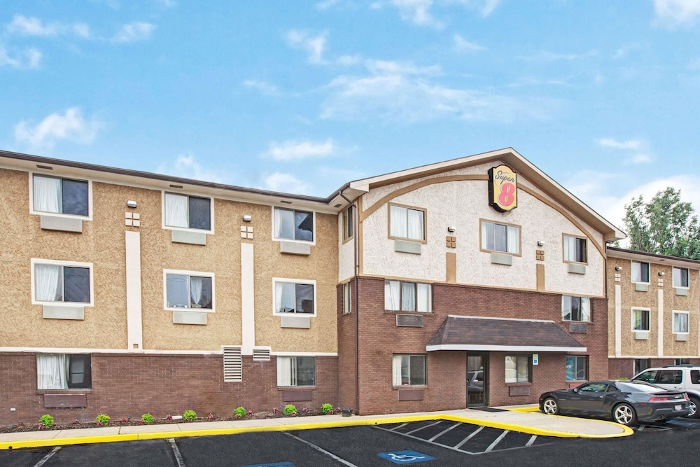Exterior, Super 8 by Wyndham Baltimore/Essex Area