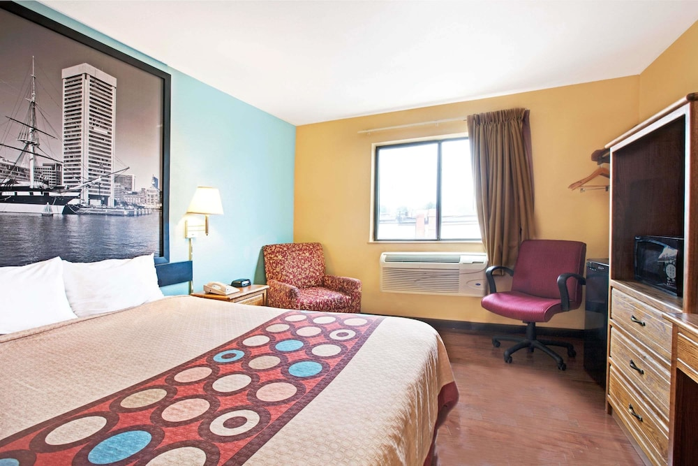 Room, Super 8 by Wyndham Baltimore/Essex Area