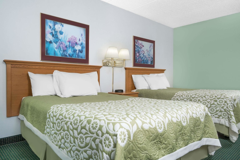 Featured Image, Days Inn by Wyndham St Cloud