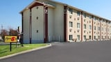 Super 8 Bloomington - Bloomington Hotels