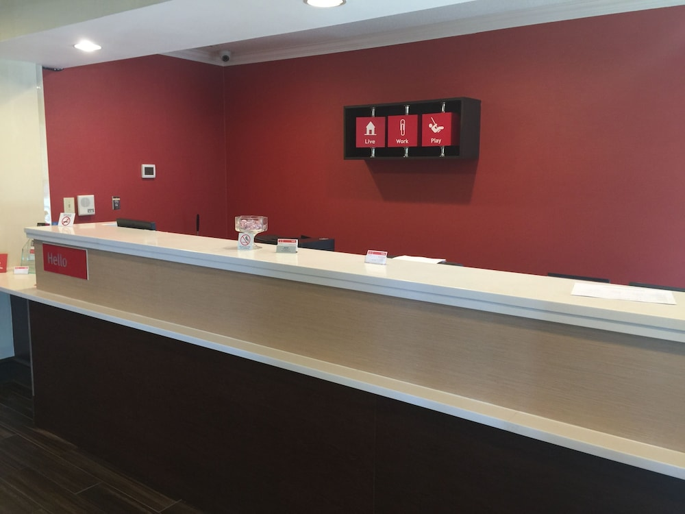 Reception, TownePlace Suites by Marriott Wilmington Newark/Christiana