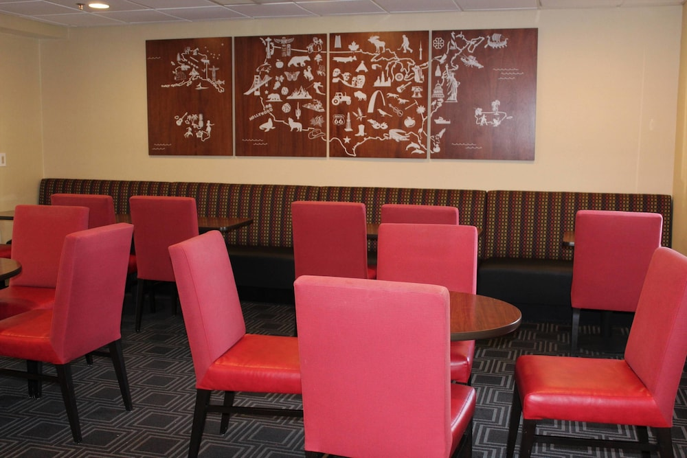 Breakfast Area, TownePlace Suites by Marriott Wilmington Newark/Christiana