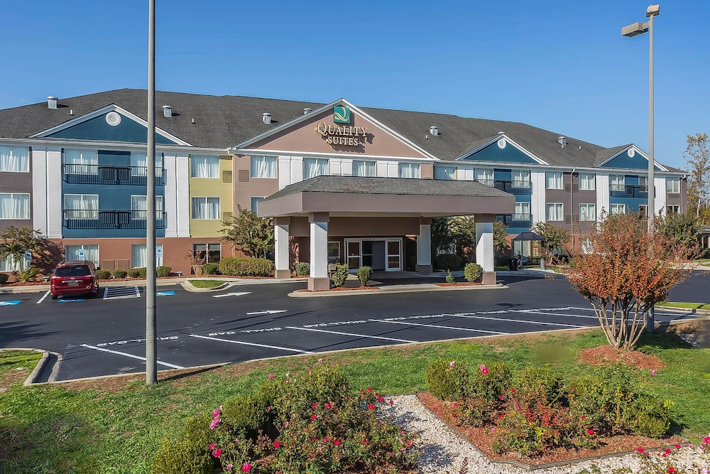 Quality Suites Pineville Charlotte In Charlotte Nc