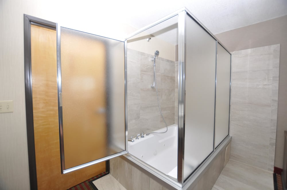 Bathroom, Best Western Plus Executive Suites
