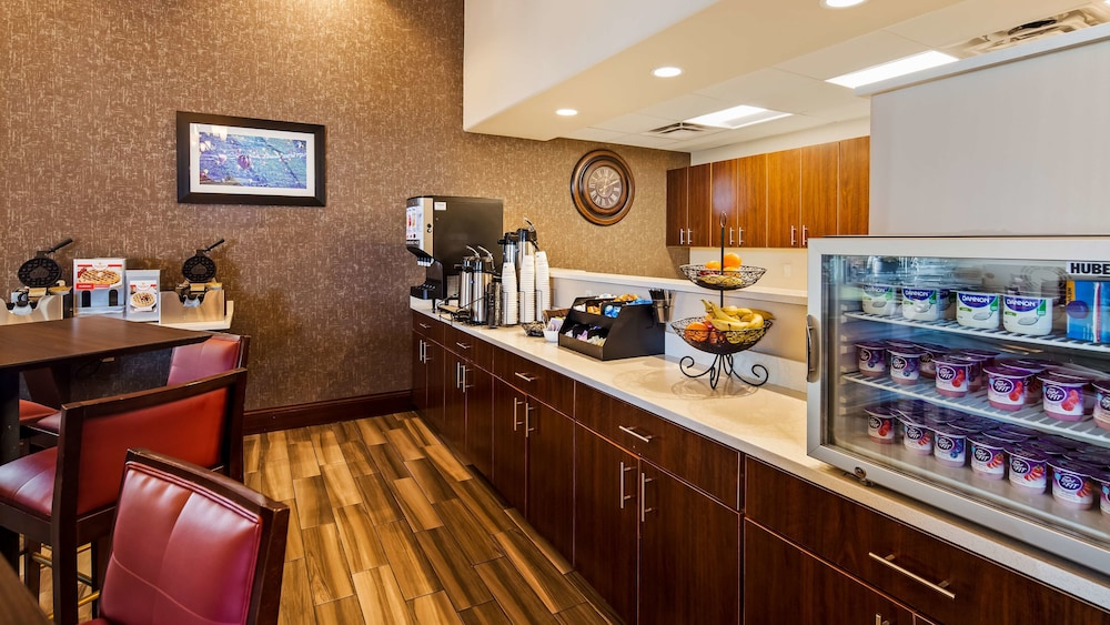 Breakfast Area, Best Western Plus Executive Suites