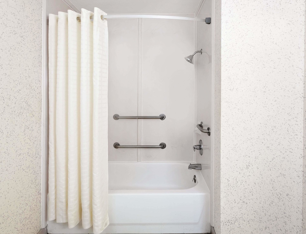 Bathroom, Days Inn & Suites by Wyndham Opelousas