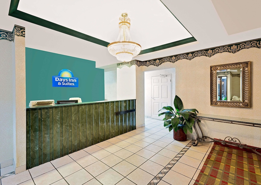 Lobby, Days Inn & Suites by Wyndham Opelousas
