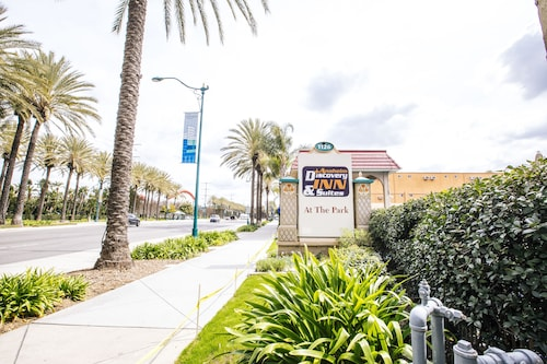 Anaheim Discovery Inn & Suites
