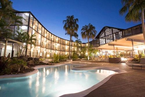 Best Airlie Beach Hotel Deals Mantra Club Croc