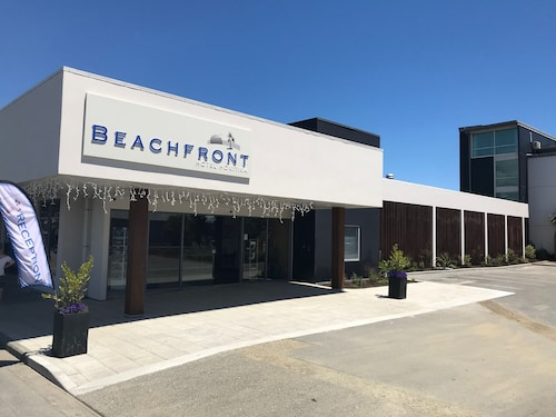 Beachfront Hotel (NZL 519239 4.1) photo