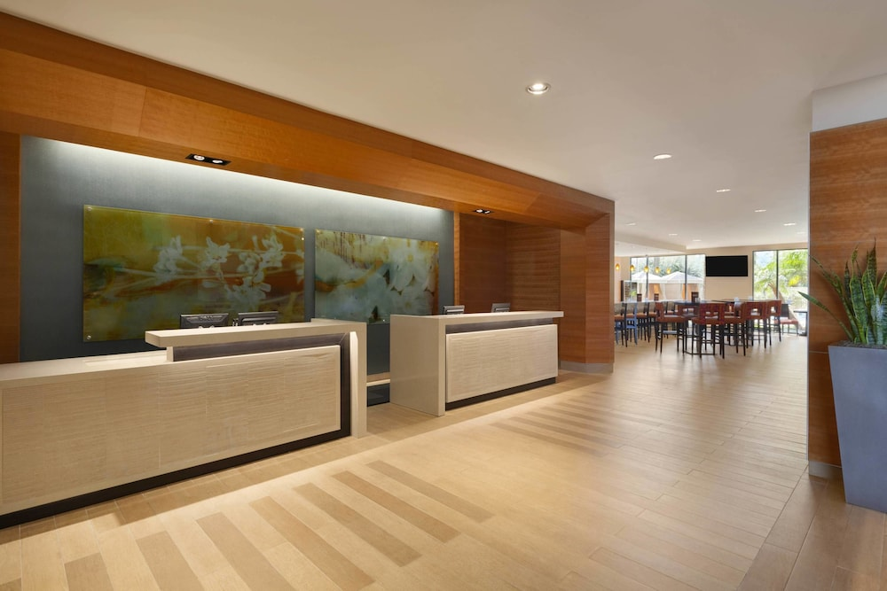 Lobby, Delta Hotels by Marriott Anaheim Garden Grove