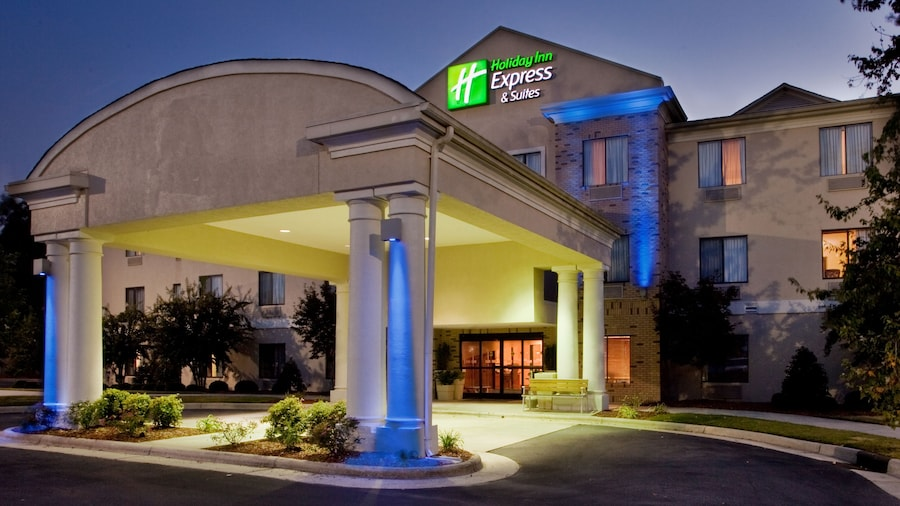 Holiday Inn Express Hotel and Suites Kinston, an IHG Hotel