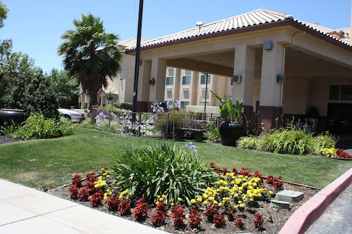 Holiday Inn Express Madera - Yosemite Park Area