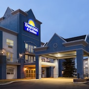 Days Inn & Suites Brooks