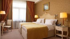 Frette Italian sheets, premium bedding, down comforters, minibar