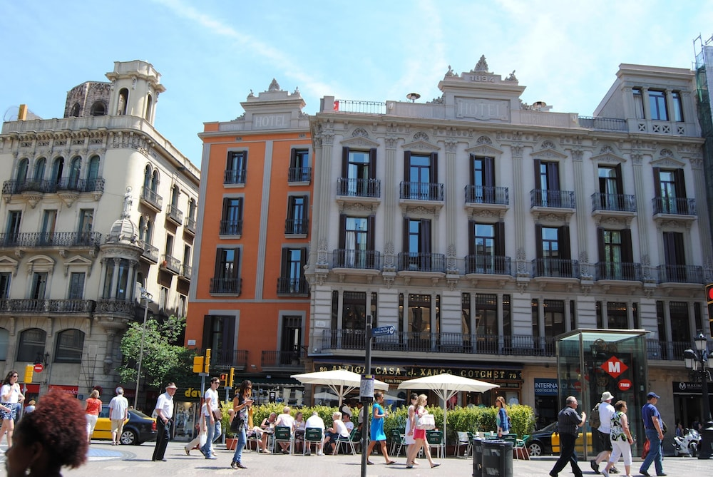 Hotel internacional ramblas cool reviews photos rates for Las ramblas hotel barcelona