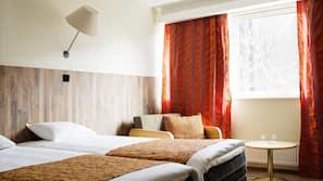 Minibar, Schreibtisch, Verdunkelungsvorhänge, schallisolierte Zimmer