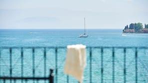 Plage privée, serviettes de plage, beach-volley, bar de plage