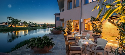 5 Star Hotels in Florence: Luxury Hotels with Cheap $198