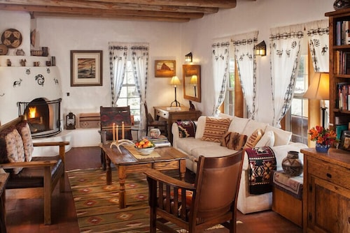 Interior, Casa Escondida Bed & Breakfast