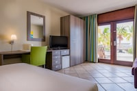 Room, 2 Double Beds, Beachfront (Cabana)