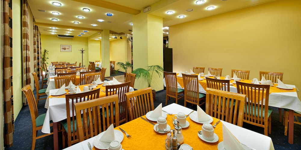 Breakfast Area, Hotel Henrietta