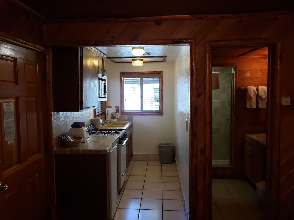 Private Kitchen, Big Bear Frontier