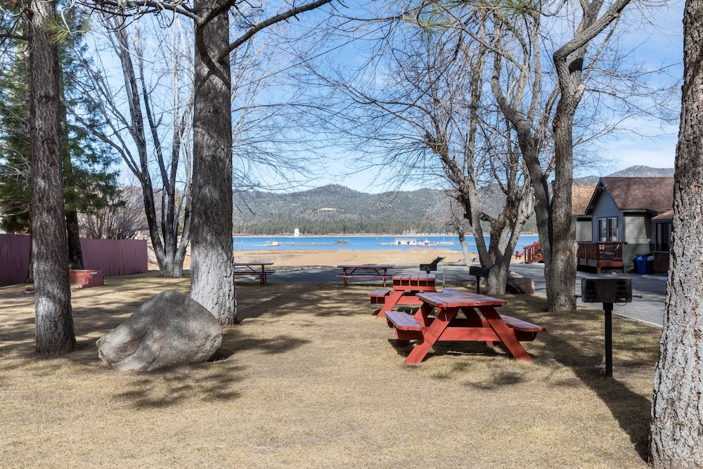 BBQ/Picnic Area, Big Bear Frontier