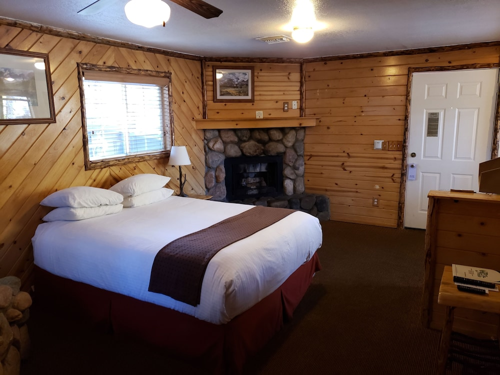 Room, Big Bear Frontier