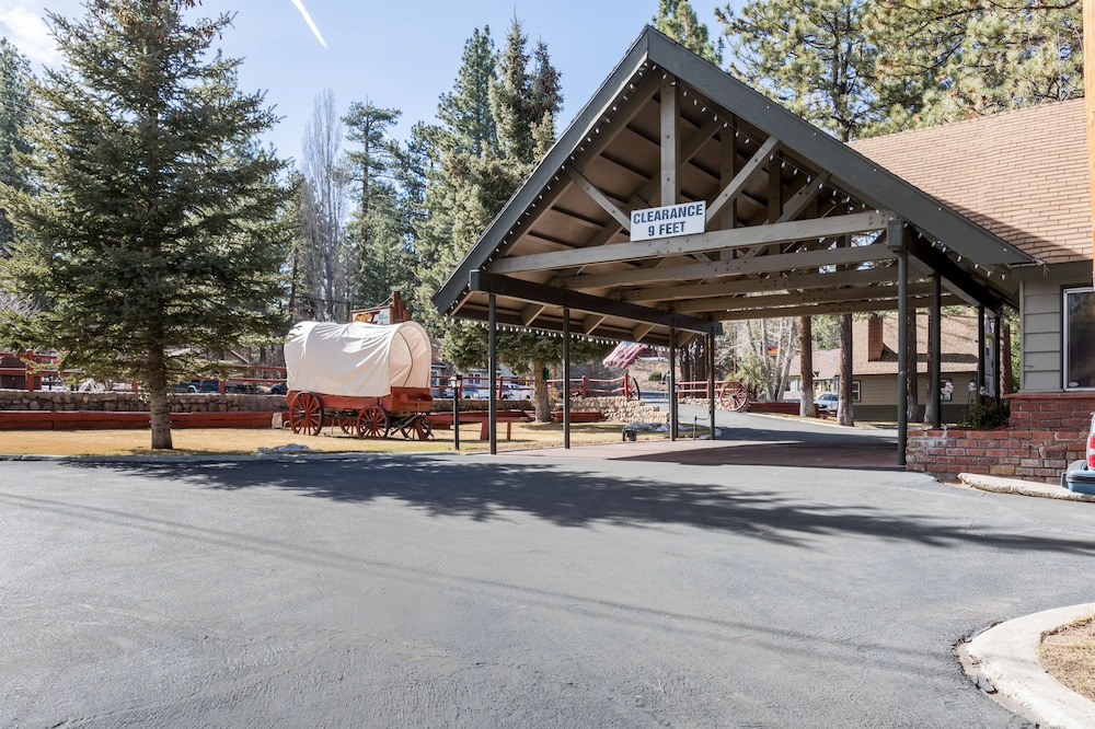 Front of Property, Big Bear Frontier