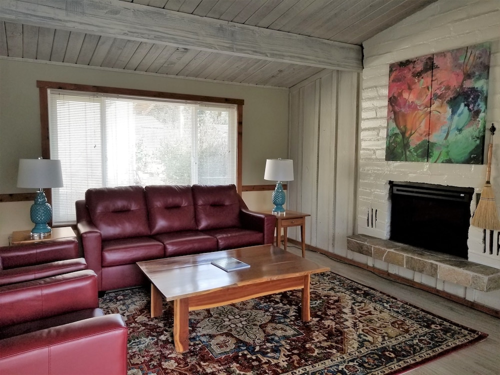Living Room, Carmel Valley Lodge and Resort