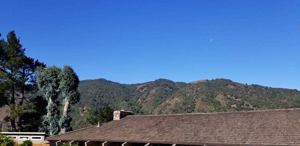 Mountain View, Carmel Valley Lodge and Resort